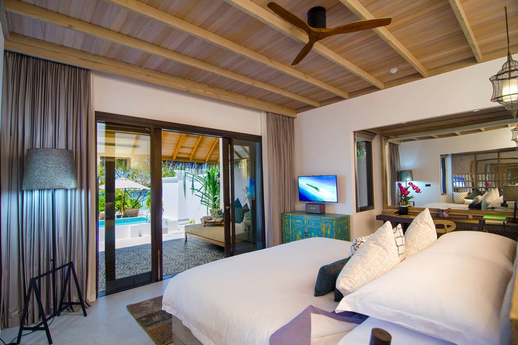 PRIVATE POOL VILLA King size bed (2.1x2.1 m / 7x7 ft) 2 Adults + max. 2 Children * 92 m² / 991 f² Direct access to sea
