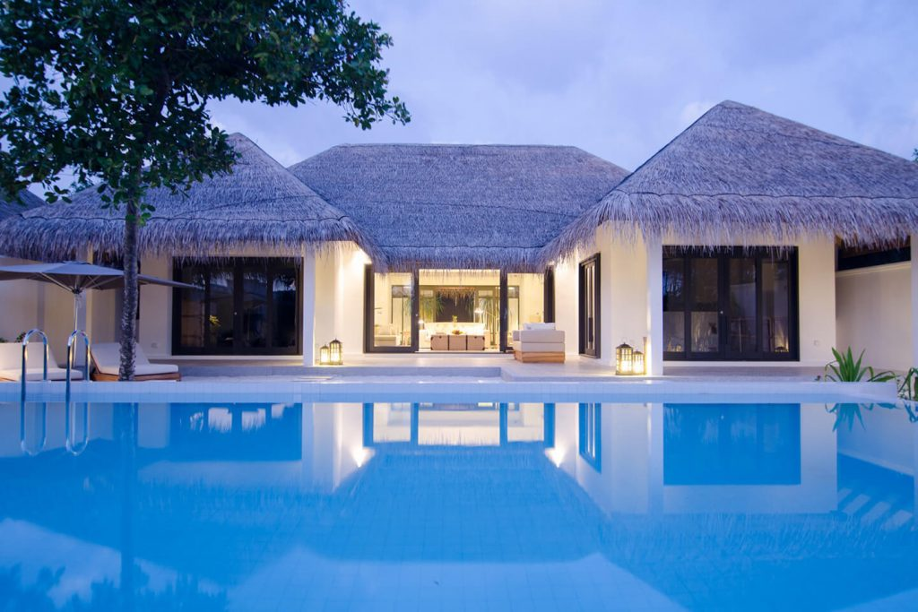 2 BEDROOM BEACH VILLA WITH POOL 2 King size bed (2.1x2.1 m / 7x7 ft) 2 Adults 2 Children 261 m² / 2808 f² Direct beach access