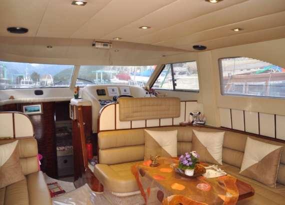 small motor yacht