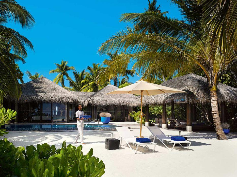 DELUXE BEACH VILLA VELAA PRIVAT ISLAND MALDIVES