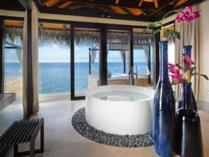 OCEAN POOL HOUSE VELAA PRIVAT ISLAND