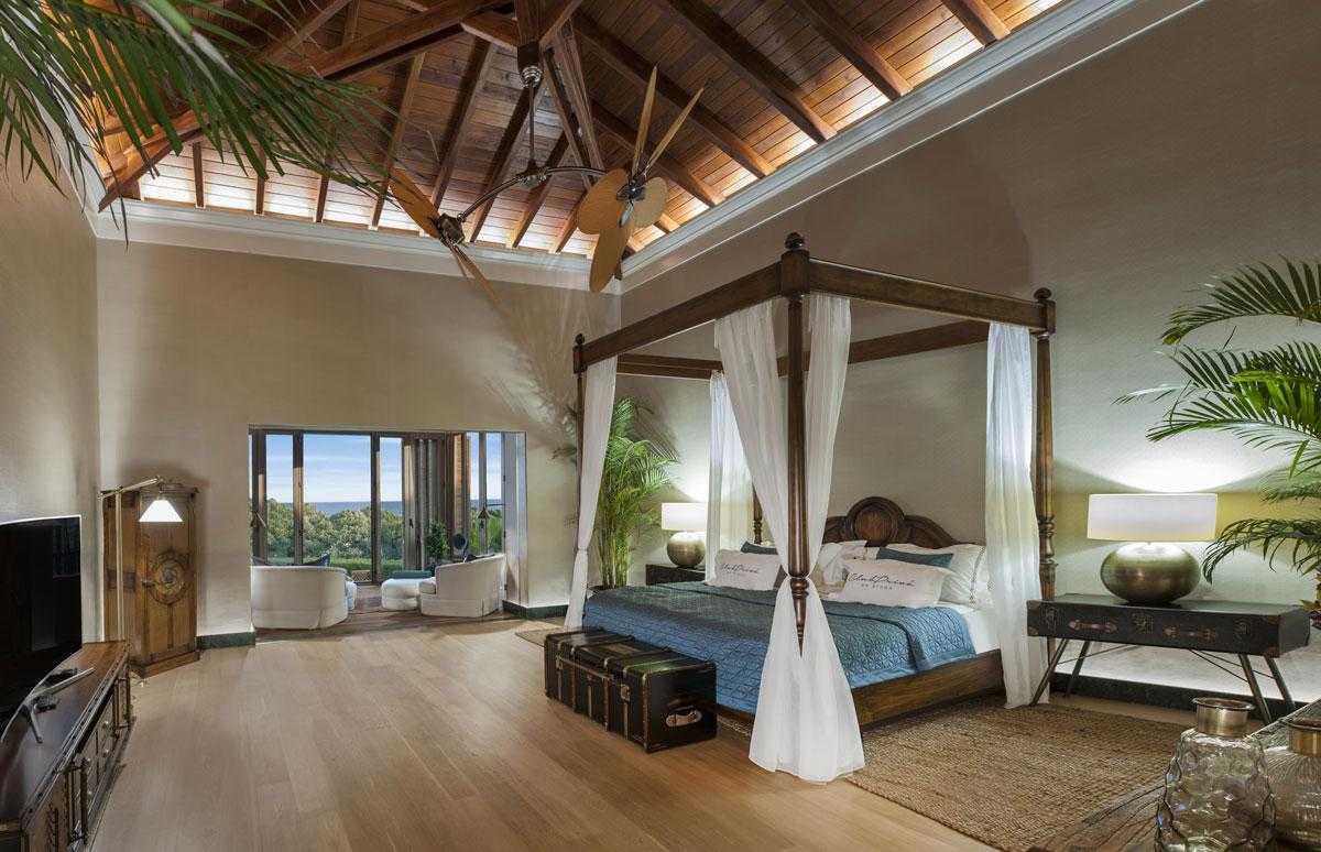 Club-Prive-by-Rixos-Premium-Belek-Priamus-Residence-master-bedroom