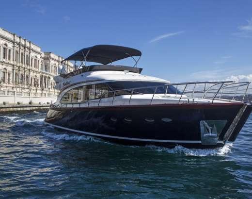 bosphorus yacht