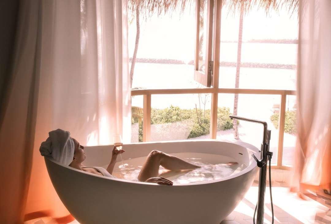 the nautilus maldives bath